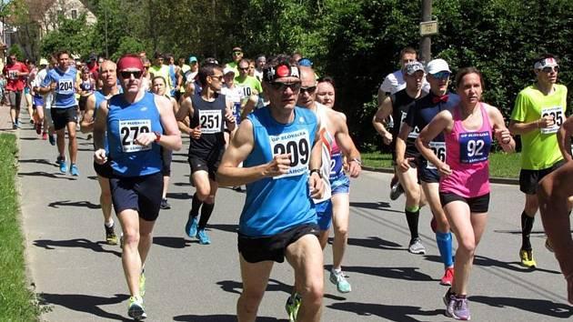 Běhu Filipovským údolím se letos zúčastnilo 278 mužů, žen a dětí. Hlavní závod na deset kilometrů vyhrál brněnský vytrvalec Lukáš Soural.
