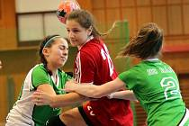 Mladší žákyně Veselí nad Moravou obsadily na letošním Prague Handball Cupu dělené páté až osmé místo. Rozjeté dorostenky zastavil až finalista z Maďarska.