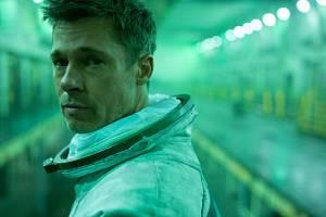 Diváci si v kině užijí film Ad Astra v hlavní roli s Bradem Pittem.