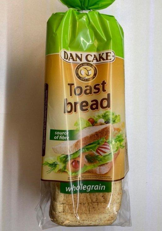 Celozrnný toustový chleba z Polska obsahuje kovové střepiny.