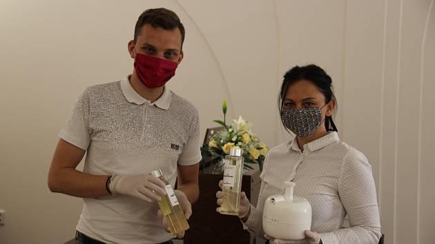 Voňavá dezinfekce provoněla úřad i zázemí důchodců