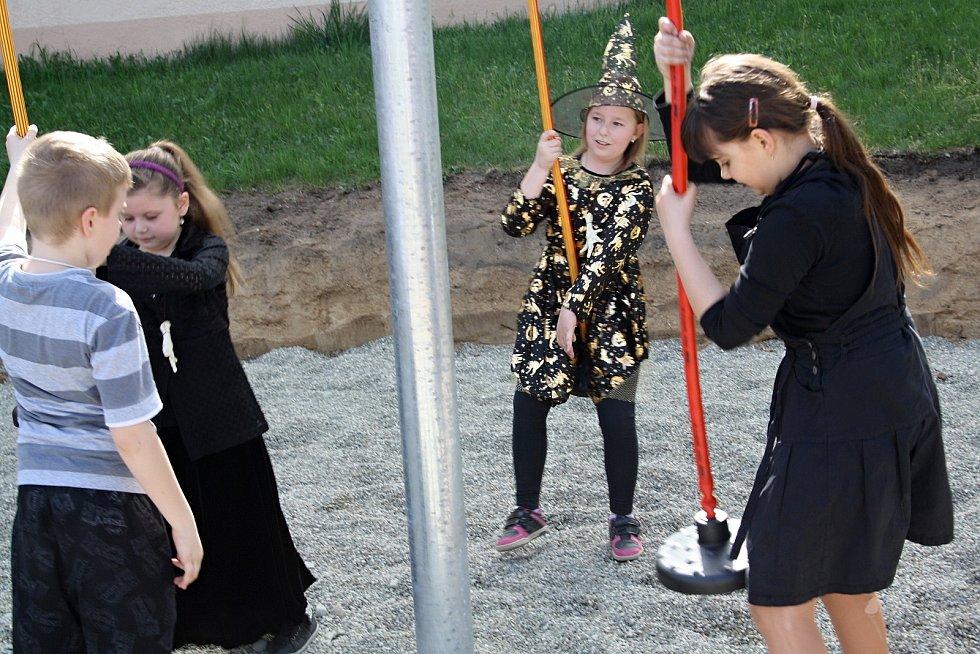 Otevření nového dětského hřiště v Rohatci.