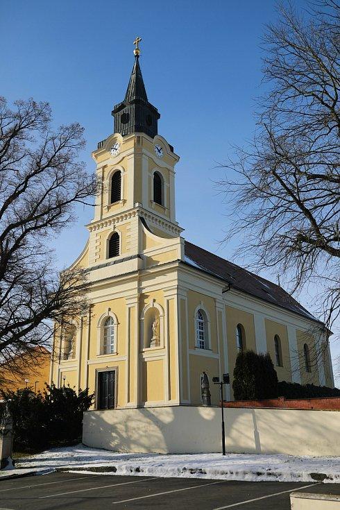 Kostel svatého Cyrila a Metoděje v Ratíškovicích na Hodonínsku.