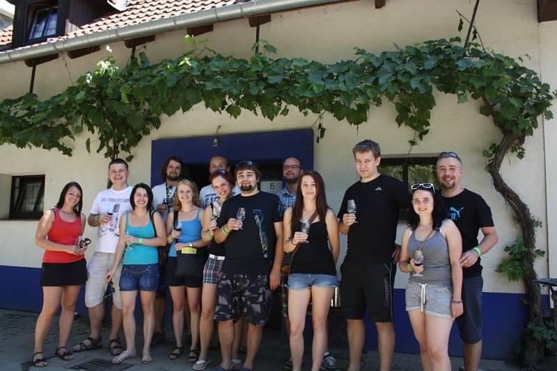 Sedmý ročník otevřených sklepů v Hovoranech.