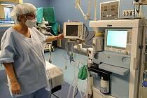 Nový anesteziologický přístroj v hodonínské nemocnice.