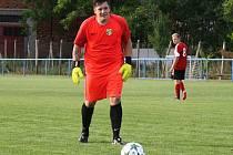 Ratíškovický brankář Jiří Chromý (na snímku) proměněnou penaltou rozhodl nedělní zápas 2. předkola Krajského poháru JmKFS v Blatnici.