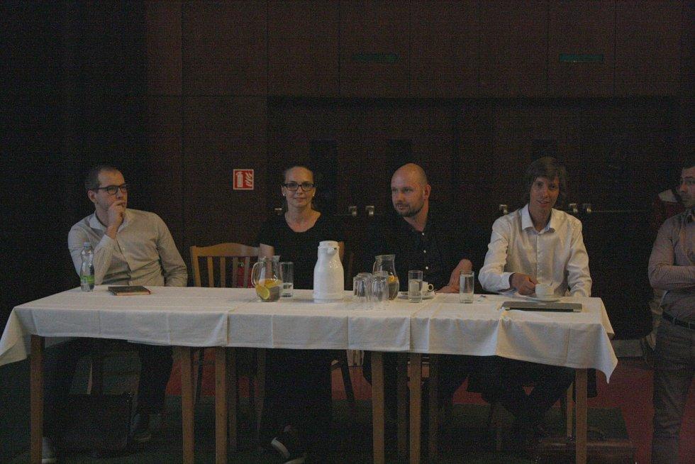 Čtveřice architektů, která představila svoje vize. Zleva Pavel Řihák, Martina Černá, Jan Sedláček a Václav Navrátil.