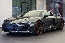 Kyjov přitáhl milovníky sportovních modelů. Jedno ze čtyř kusů Audi R8 pro Českou republiku z limitované edice Green Hell.