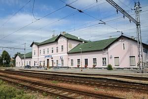 Prostory ve stanici Sokolnice-Telnice si ponechají historický ráz.