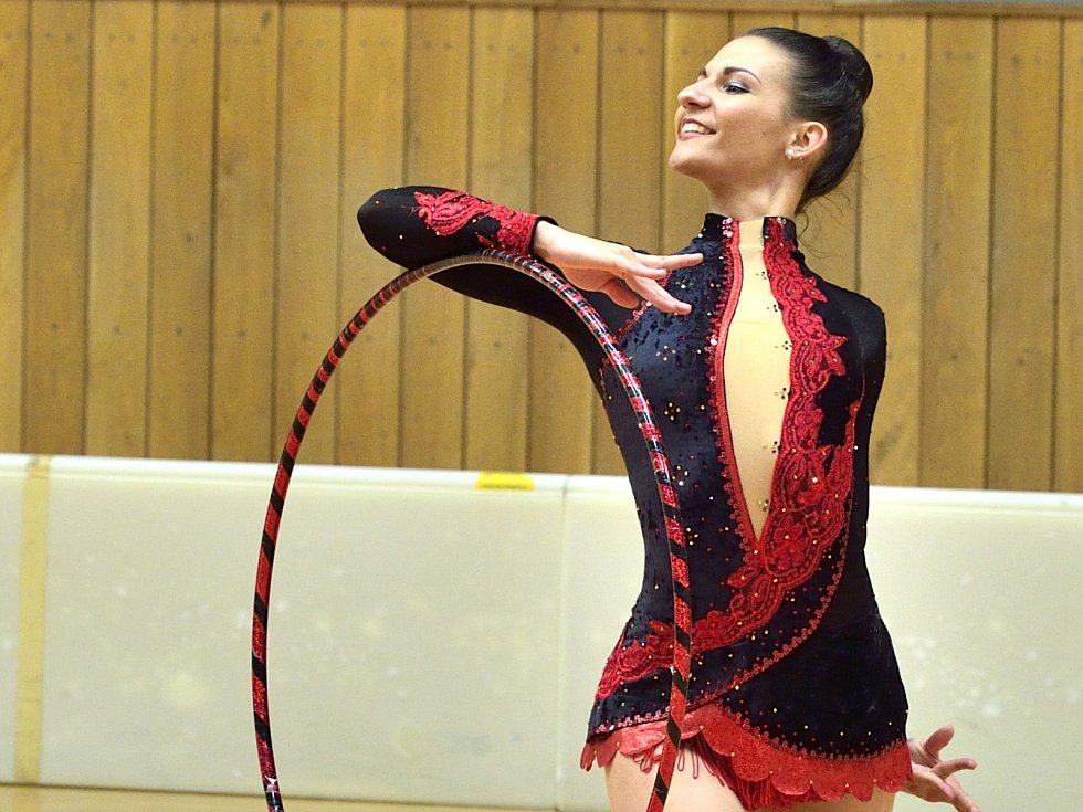 V Hodoníně se uskutečnilo mistrovství České republiky v moderní gymnastice. Ve sportovní hale TEZA se představilo třicet nejlepších závodnic do třiadvaceti let.