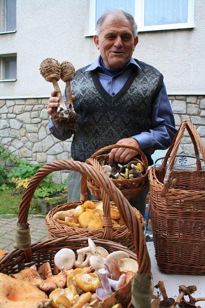 Ratíškovický houbař Václav Koplík zlesa sprázdnou neodchází.