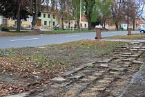 Ostrožská ulice v Moravském Písku se ještě letos dočká nových chodníků, osvětlení i zeleně.