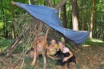 Tématem letošního tábora v Čeložnicích je Dračí pouť. Děti sbírají elfí knihu, která je dovede k pokladu. Kromě toho si ale už vyzkoušely třeba dovádění v pěně.