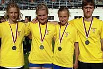 Úspěšní žáci AK Hodonín Sasínek (zleva), Dřímalová, Korvasová a Žurovec.
