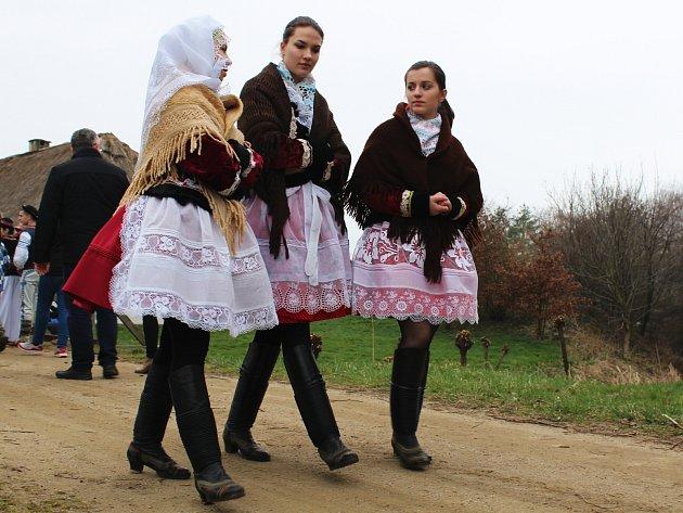 Pořad Národního ústavu lidové kultury Velikonoce ve skanzenu.