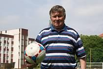 Legendární Petr Vyškovský i v sedmdesáti letech tráví nejvíce času na fotbalovém hřišti.