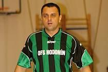 Předsedou fotbalového klubu TJ Slovan Bzenec se stal známý okresní rozhodčí Luboš Drozdy mladší.