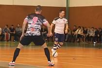 Cíl se futsalistům Hodonína (v bílých dresech) nepodařil splnit. Prohrou se posunuli až na čtvrté místo druholigové tabulky.