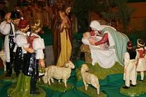 Lidstvo provází během vánočních dnů již více 1700 let souběžně s křesťanským pojetím zrození.