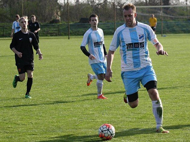 Fotbalisté FC Veselí nad Moravou jsou jediným zástupcem regionu ve čtvrtfinále Krajského poháru FAČR. V boji o postup se představí v Mikulově.