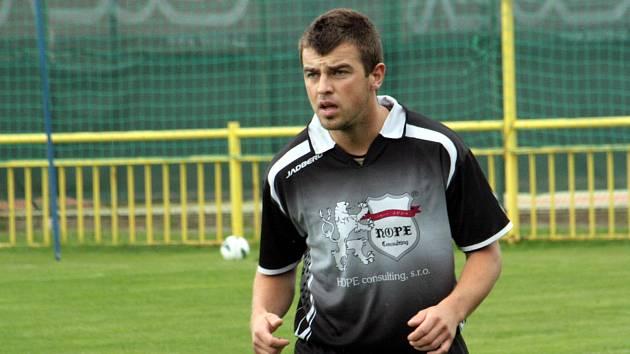 Kapitán Bzence Petr Kasala nastřílel v jedenácti mistrovských zápasech osmnáct branek. Nikdo lepší v Jihomoravském krajském přeboru není.
