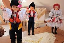 Tradice Slovácka - výstava krojovaných panenek. Ilustrační foto.