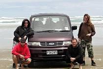 Ratíškovičtí cestovatelé u břehů novozélandského Severního ostrova.