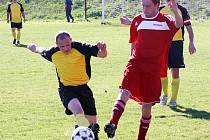 Fotbalisté Čejkovic (v červeném) - ilustrační foto.