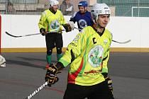 Hokejbalisté Sudoměřic zakončili základní část výhrou nad Pardubicemi. Triumf nad úřadujícím mistrem završil domácí kapitán Jan Kaluža.