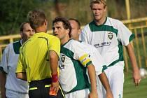 Fotbalisté Dubňan při jednom z minulých zápasů.