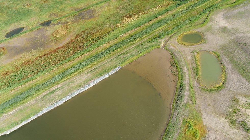 Do krajiny vrací vodu i život, budování biokoridorů je v kurzu. Na snímku biokoridor v Šakvicích na Břeclavsku.