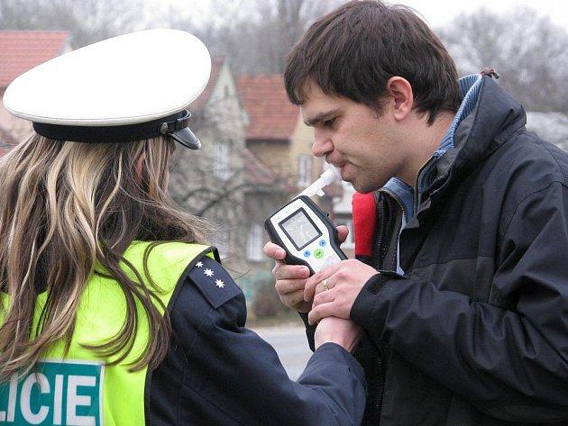 Policisté ve Veselí nad Moravou kontrolovali dodržování pravidel na železničních přejezdech.