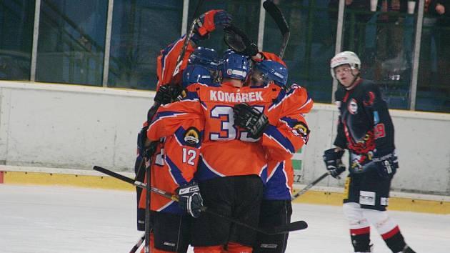 2. liga: SHK Hodonín (v oranžovém) vs Technika Blansko