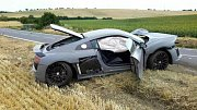 Tři auta, dvě osobní a jedno nákladní, se srazila v úterý odpoledne na silnici I/54 u Sobůlek.