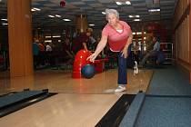 Bowlingový turnaj, který pořádalo hodonínské sdružení Svazu důchodců České republiky.