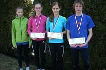 Kyjovským závodníkům Jaroslavu Půčkovi, Natáliu Kolajové (druhá zprava), Tereze Rybaříkové a Anně Výletové se v Přerově na mistrovství Moravy a Slezska v přespolním běhu dařilo.