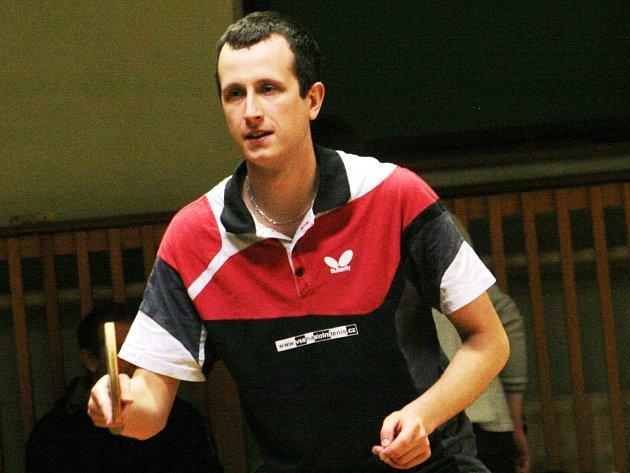 Hráč Vracova Michal Trcala si ve dvouhře drží kladnou bilanci devatenácti výher a jedenácti porážek.