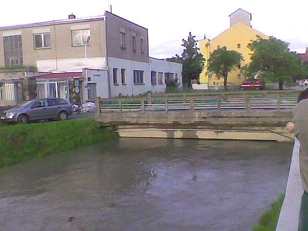 Kyjov 2.6.2010 20.00chybi jen par centimetru.