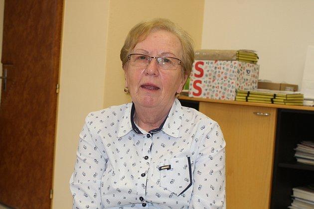 Eva Šebestová miluje rohatecký kroj a pečuje oněj už čtyřicet let.