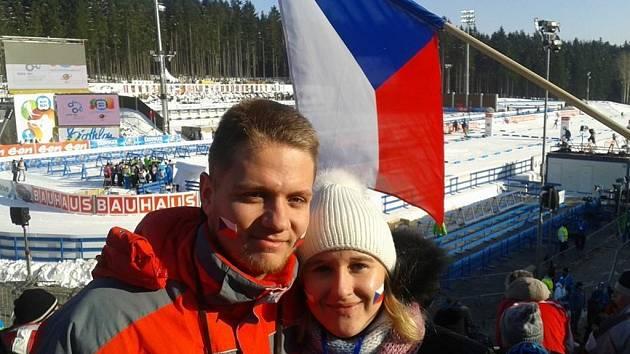 Závody Světového poháru v biatlonu o víkendu zhlédla i brankářka Mutěnic Lucie Pavková s přítelem Janem Bílíkem, který chytá za Dolní Bojanovice.
