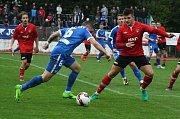Fotbalisté Hodonína (v červených dresech) ve 3. kole celostátního MOL Cupu prohráli s ligovým Libercem 0:4 po prodloužení. Zápas sledovalo devět stovek diváků.