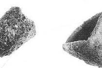 Tyglíky k odlévání kovu nalezené v Mikulčicích.