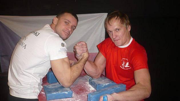 Michal Zapletal s vítězem Golemovy ruky Polákem Podgorskim.