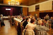 Pobočka Sjednocené organizace nevidomých a slabozrakých v Kyjově oslavila pětadvacet let činnosti. V kyjovském kulturním domě vystoupili nevidomí a slabozrací umělci.