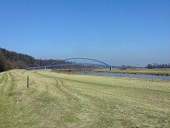 Se stavbou lávky přes řeku Moravu u mikulčického Slovanského hradiště se začne možná ještě letos.