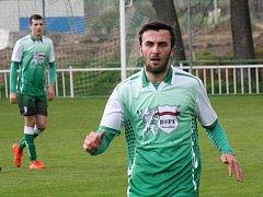 Krajní záložník Tomáš Zůbek (na snímku) pomohl Bzenci k domácí výhře nad silným Slavičínem v poměru 4:0. Slovan může zbytek divizní sezony dohrát v klidu.