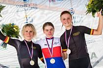 Vnorovská cyklistka Tereza Korvasová (na snímku vpravo) skončila na mistrovství republiky v ženské časovce třetí.