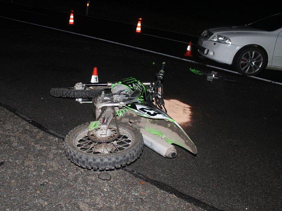 Nehoda na silnici mezi Mutěnicemi a Dubňany.