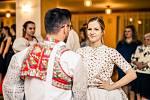 Krojovaní se sešli v Mikulčicích na tradičním plese. Letos besedou uctili známého skladatele lidových písní Fanoše Mikuleckého. Foto: Marek Musil