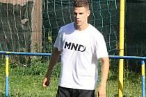 Jednadvacetiletý fotbalista Filip Žák je novou posilou třetiligového Hodonína, kde ve čtvrtek zahájil letní přípravu na novou sezonu.